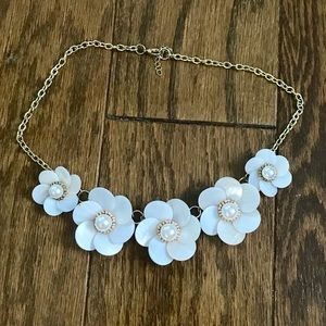 Very cute flower statement necklace
